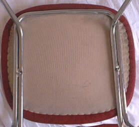 Esercitazione di laboratorio per montare una sedia in ferro - Facciamo saltare i bulloni a questo divano ...